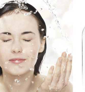beneficios de lavarse con agua micelar